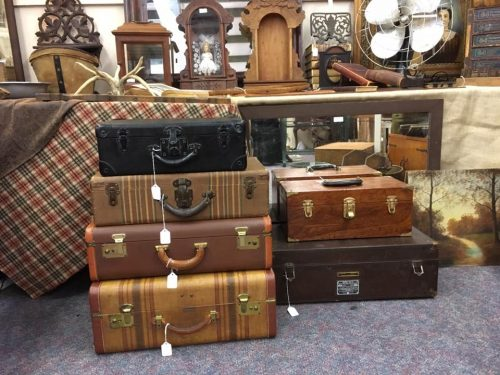 Relics Antiques & Vintage Decor LLC - Relics Antiques & Vintage Decor LLC - Visit Cleveland TN